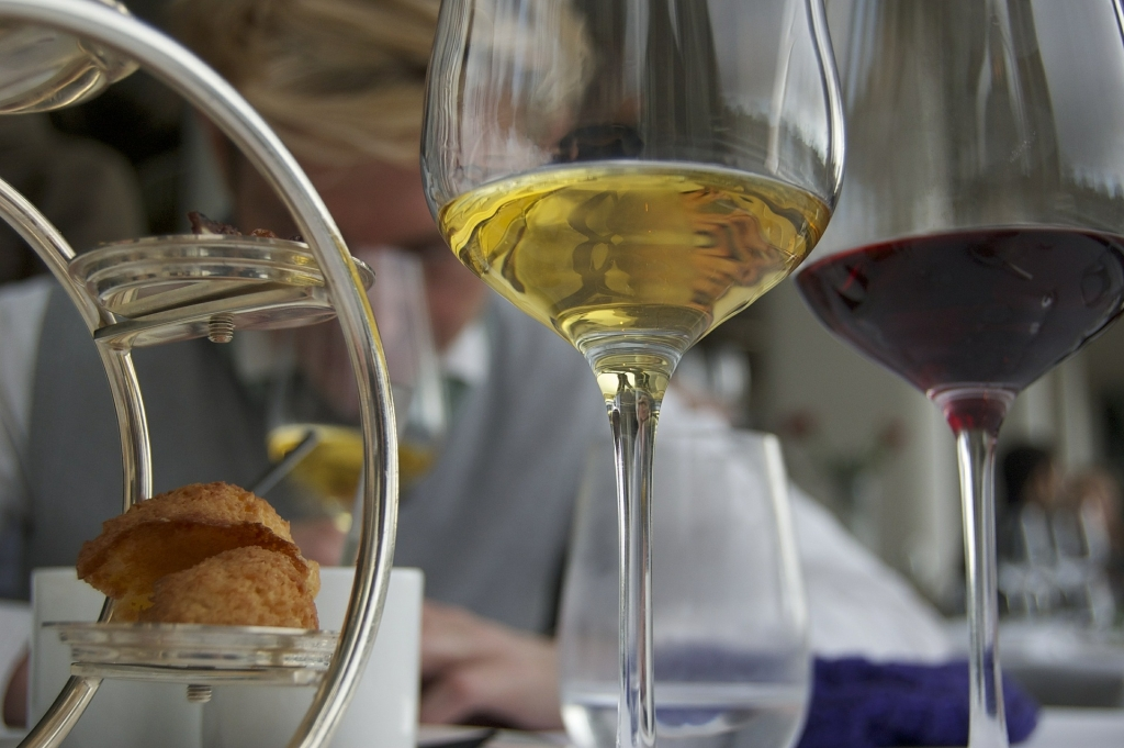 wine-glasses-464681_1920